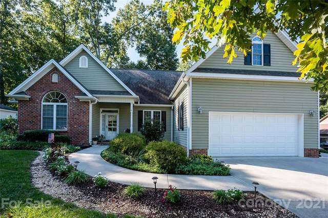 124 E Chinaberry Court, Mocksville, NC 27028 (#3781762) :: Briggs American Homes