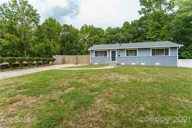 4139 Foxford Place, Charlotte, NC 28215 (#3783400) :: The Petree Team