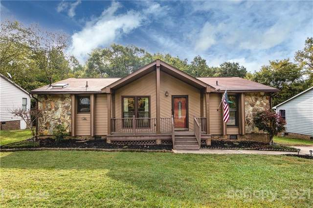 8204 Strawberry Point Drive, Charlotte, NC 28215 (#3783534) :: Cloninger Properties