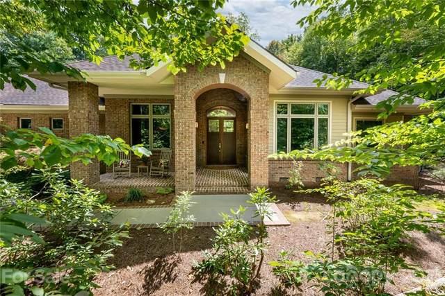 742 Dunroy Drive, Hendersonville, NC 28739 (#3784348) :: Mossy Oak Properties Land and Luxury