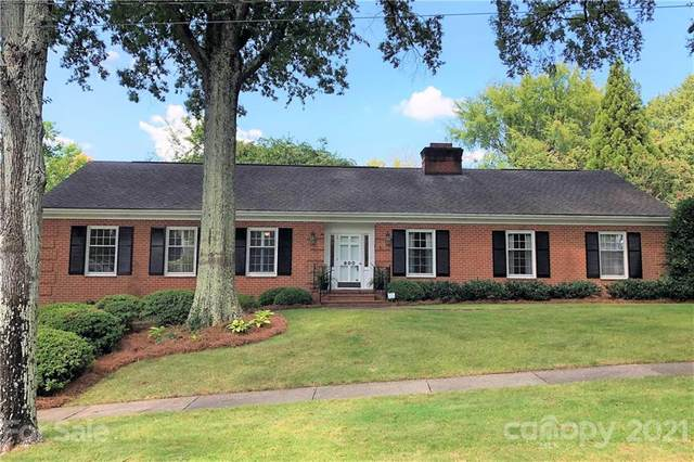 900 Colville Road, Charlotte, NC 28207 (#3784649) :: The Petree Team