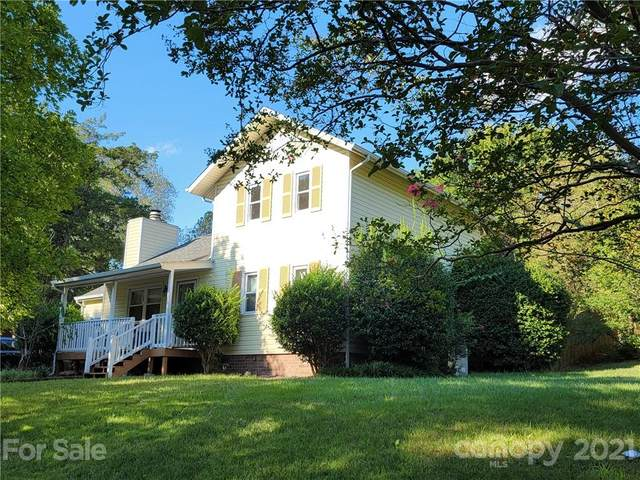 12037 Five Cedars Road, Charlotte, NC 28226 (#3785002) :: Besecker Homes Team