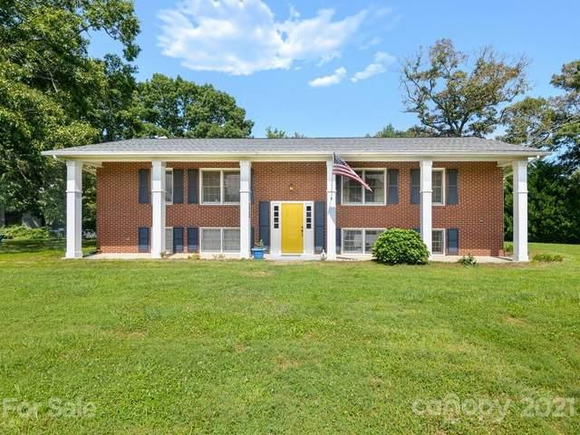 69 Regal Knolls Drive, Mills River, NC 28759 (#3785569) :: BluAxis Realty