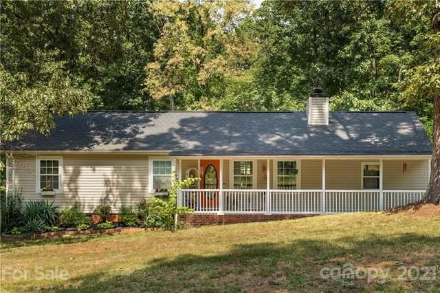 8800 Vagabond Road, Charlotte, NC 28227 (#3786361) :: Keller Williams South Park