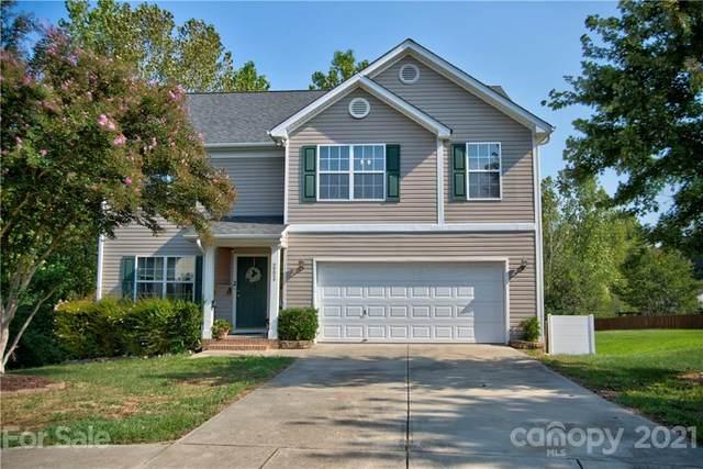 2224 Southwind Drive, Charlotte, NC 28216 (#3786512) :: Carver Pressley, REALTORS®