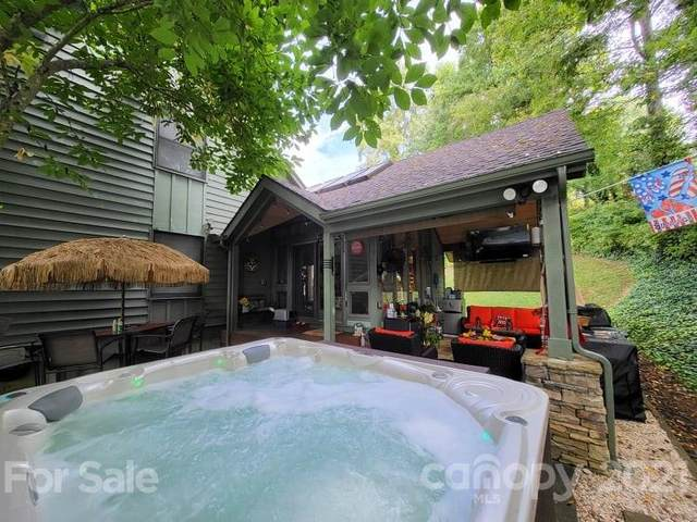 206 Robertson Street, Burnsville, NC 28714 (#3786592) :: Carver Pressley, REALTORS®