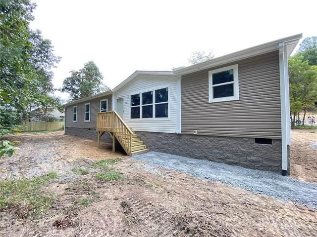 31 Kiwassa Lane, Hendersonville, NC 28792 (#3786694) :: Carmen Miller Group
