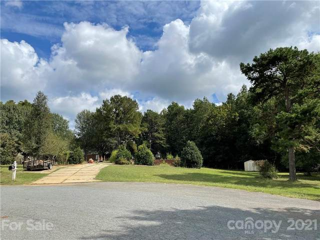 7916 White Cliffs Drive, Mint Hill, NC 28227 (#3787618) :: Keller Williams South Park