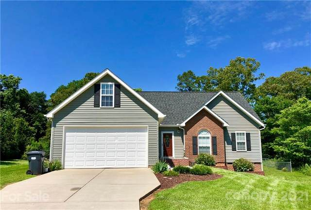127 Whistling Pines Drive, Statesville, NC 28677 (#3787885) :: LePage Johnson Realty Group, LLC