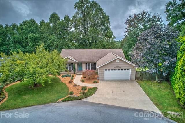 125 Red Cedar Drive, Hendersonville, NC 28792 (#3787965) :: Carver Pressley, REALTORS®