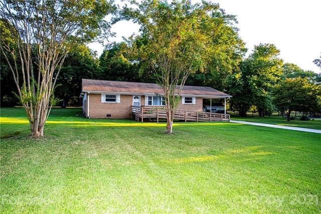 4517 Riverdale Drive, Charlotte, NC 28273 (#3788051) :: Lake Wylie Realty