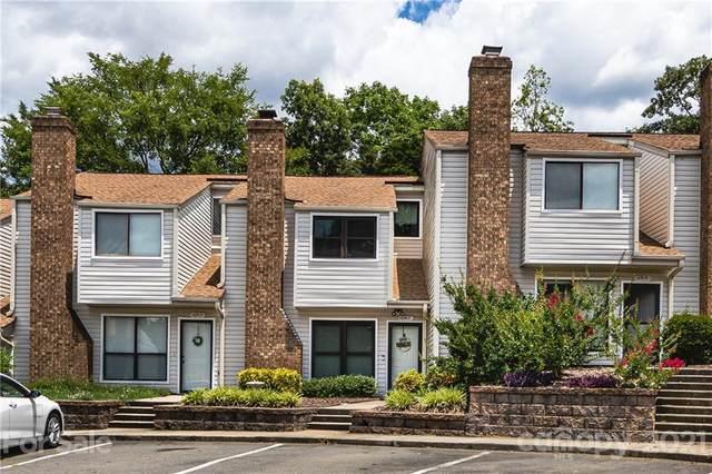 10917 Carmel Crossing Road, Charlotte, NC 28226 (#3788159) :: Love Real Estate NC/SC