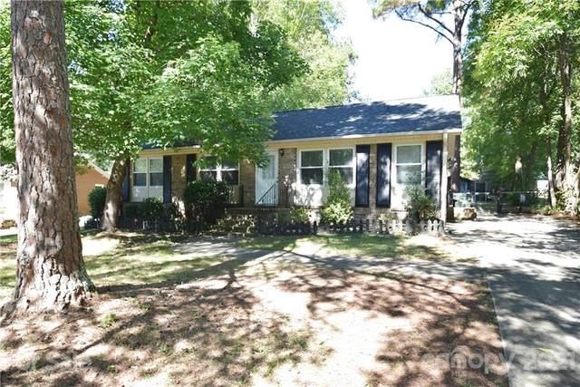 300 Deer Creek Drive, Matthews, NC 28105 (#3788510) :: The Mitchell Team