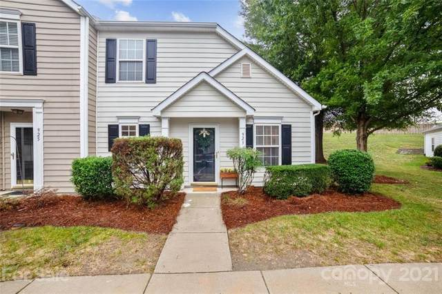 923 Heritage Parkway, Fort Mill, SC 29715 (#3789214) :: Love Real Estate NC/SC