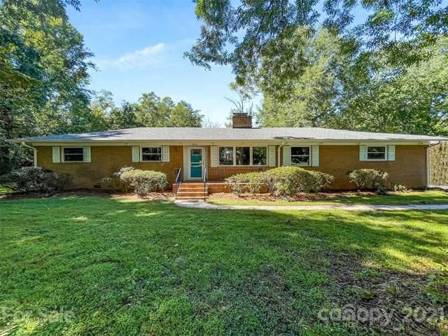 8334 Knollwood Circle, Charlotte, NC 28213 (#3789223) :: Cloninger Properties