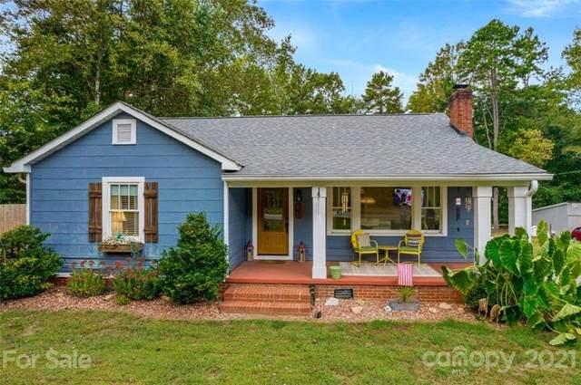 5497 Davidson Road, Davidson, NC 28036 (#3789279) :: Homes Charlotte
