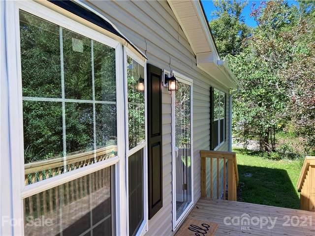 3228 Pleasant Grove Church Road, Hendersonville, NC 28739 (#3789361) :: Scarlett Property Group