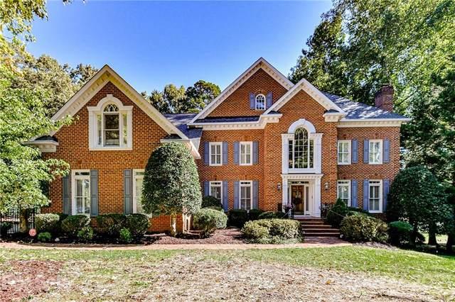 6607 Seton House Lane, Charlotte, NC 28277 (#3789552) :: Todd Lemoine Team
