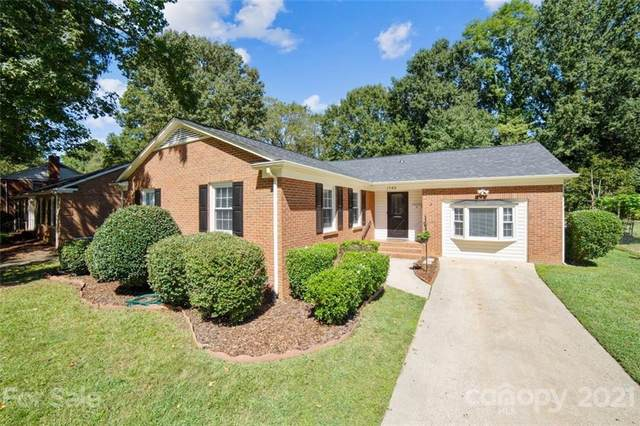 1743 Shannonhouse Drive, Charlotte, NC 28215 (#3789620) :: Carver Pressley, REALTORS®