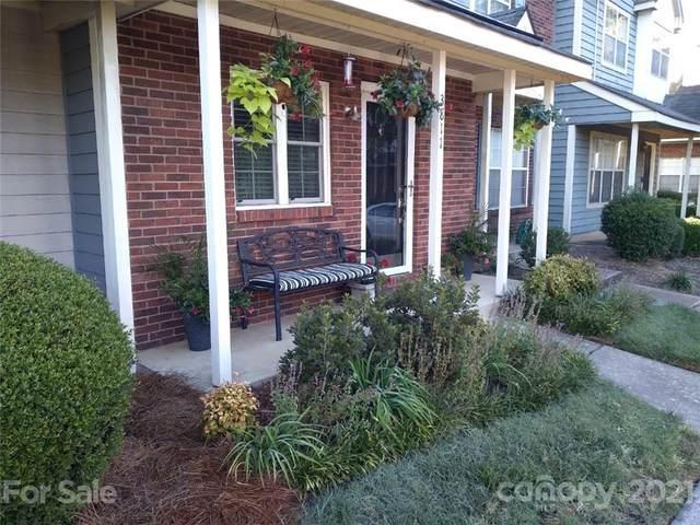 3811 Mosscroft Lane, Charlotte, NC 28215 (#3789806) :: Love Real Estate NC/SC
