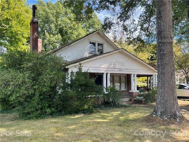 606 1st Street W, Conover, NC 28613 (#3789872) :: Homes Charlotte