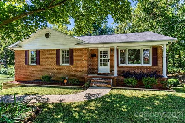 1439 Grovewood Drive, Charlotte, NC 28208 (#3790115) :: MOVE Asheville Realty