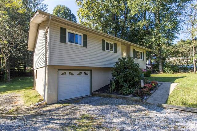 12 Springside Drive, Hendersonville, NC 28792 (#3790887) :: The Premier Team at RE/MAX Executive Realty