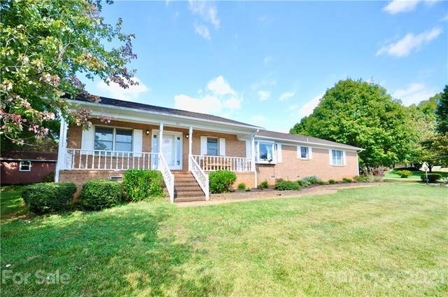 104 Waters Edge Court, Mooresville, NC 28117 (#3791042) :: Mackey Realty