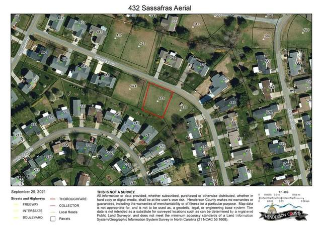 432 Sassafras Drive, Hendersonville, NC 28739 (#3791254) :: Briggs American Homes