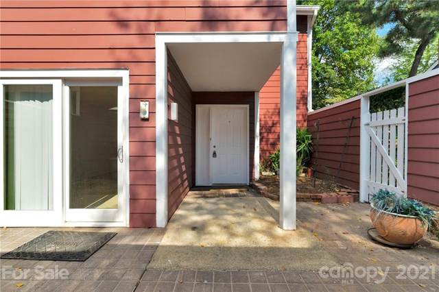 8233 Cedar Glen Drive, Charlotte, NC 28212 (#3791363) :: Homes Charlotte