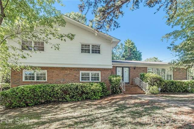 1200 Brockton Lane, Charlotte, NC 28226 (#3791915) :: Homes Charlotte