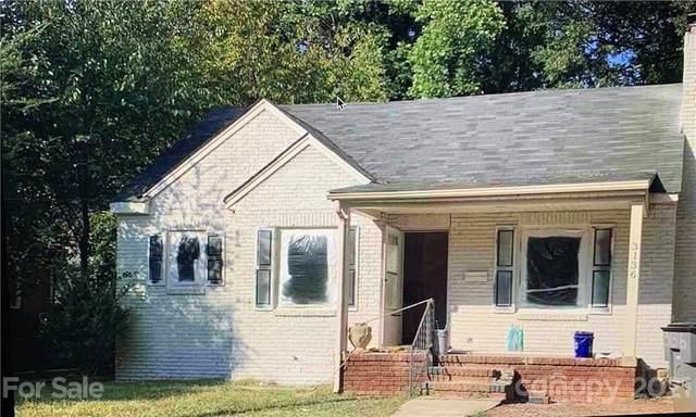 3136 Mathis Drive, Charlotte, NC 28208 (#3792642) :: Briggs American Homes