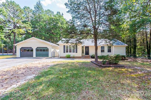 4713 Country Oaks Drive, Rock Hill, SC 29732 (#3792787) :: Homes Charlotte