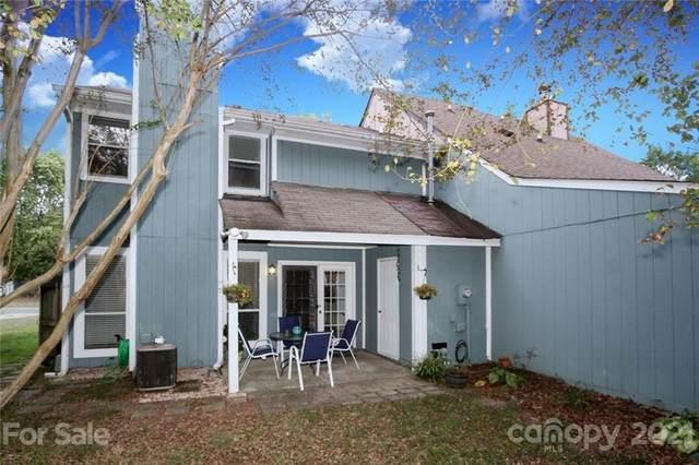 11318 Kingfisher Drive, Charlotte, NC 28226 (#3793212) :: The Ordan Reider Group at Allen Tate