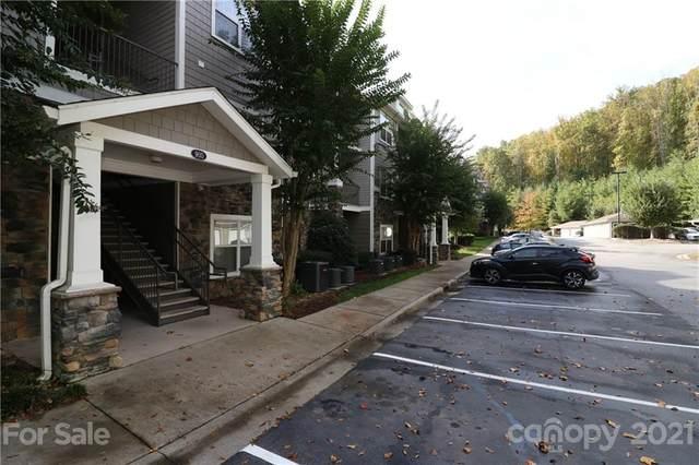 900 Vista Lake Drive #207, Candler, NC 28715 (#3794098) :: Modern Mountain Real Estate