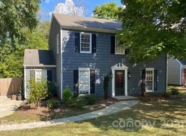 11409 Painted Tree Road, Charlotte, NC 28226 (#3794154) :: Love Real Estate NC/SC