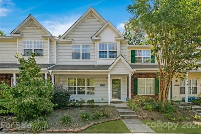 10791 Holly Ridge Boulevard, Charlotte, NC 28216 (#3794422) :: Mossy Oak Properties Land and Luxury