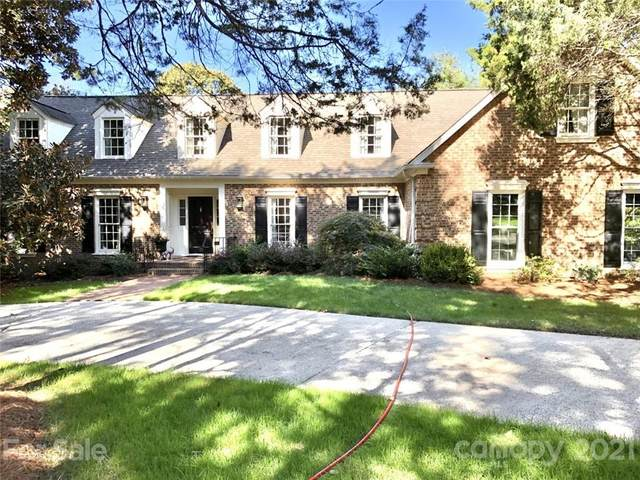 5516 Five Knolls Drive, Charlotte, NC 28226 (#3795122) :: Cloninger Properties