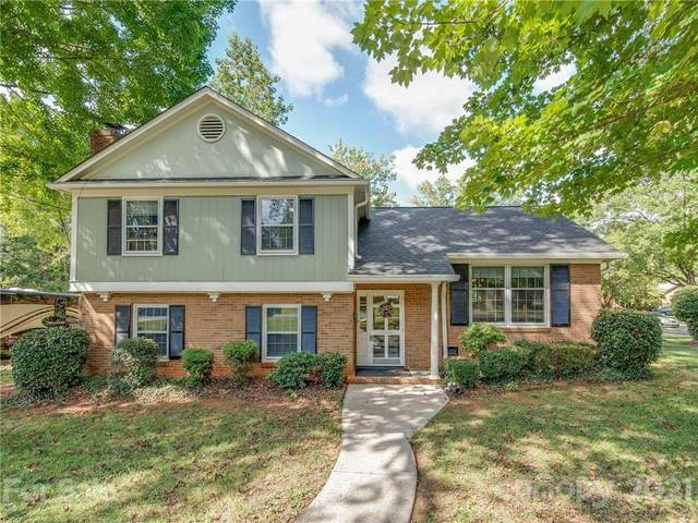 5900 Colchester Place, Charlotte, NC 28210 (#3795746) :: MartinGroup Properties