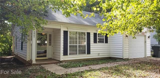 5907 Pennycross Lane, Charlotte, NC 28216 (#3796238) :: BluAxis Realty