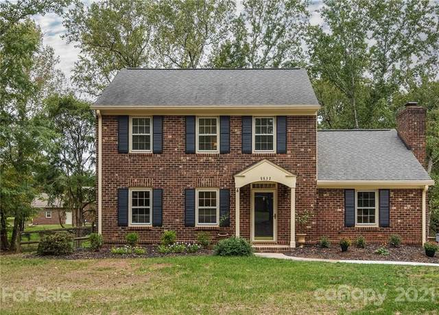 8832 Rayners Hill Drive, Charlotte, NC 28277 (#3796481) :: Expert Real Estate Team