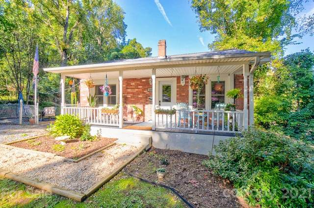 105 Beaver Street, Tryon, NC 28782 (#3796586) :: Ann Rudd Group
