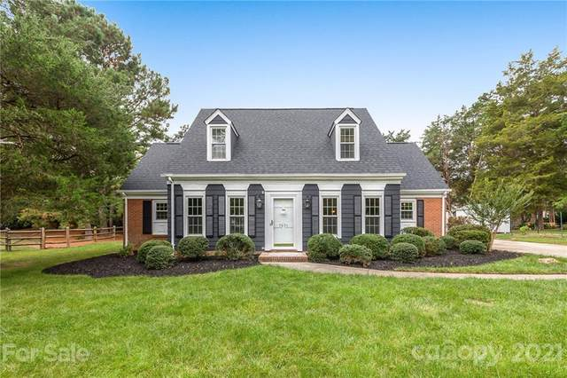 5631 Roundhouse Lane, Charlotte, NC 28226 (#3796819) :: Bigach2Follow with Keller Williams Realty