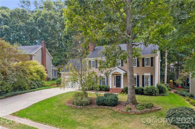 8708 Thornbury Lane, Huntersville, NC 28078 (#3796998) :: Berkshire Hathaway HomeServices Carolinas Realty
