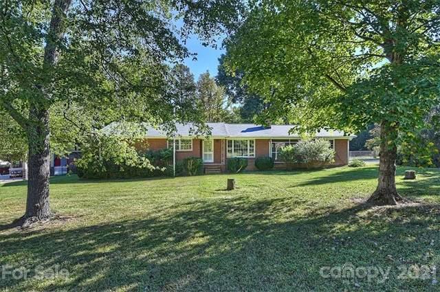 140 Woodlynn Drive, Charlotte, NC 28214 (#3797327) :: Briggs American Homes
