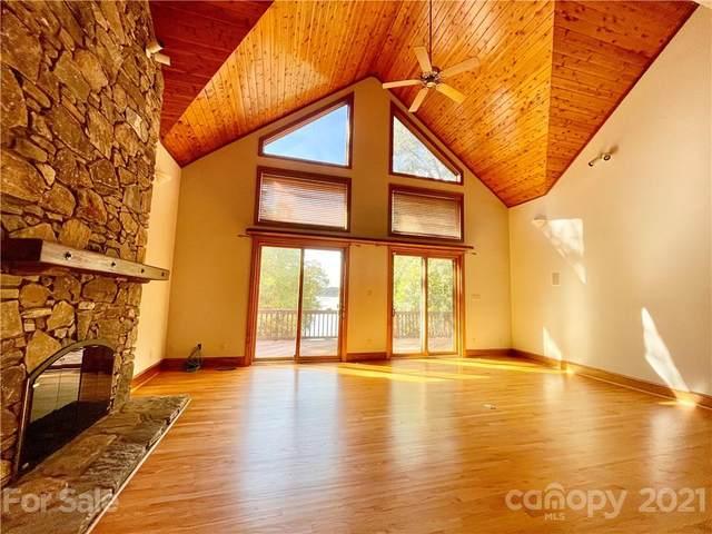 16301 Strollaway Road, Charlotte, NC 28278 (#3797530) :: Briggs American Homes