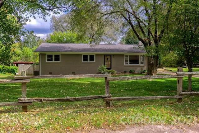 10 Woodview Drive, Waynesville, NC 28786 (#3798758) :: Carmen Miller Group
