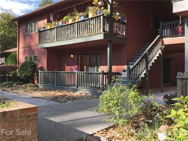 68 Oak Creek Lane, Hendersonville, NC 28792 (#3798790) :: BluAxis Realty