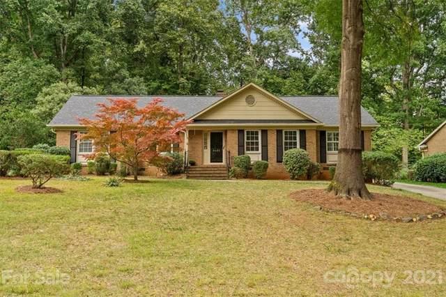 2424 Ramblewood Lane, Charlotte, NC 28210 (#3798886) :: Carolina Real Estate Experts