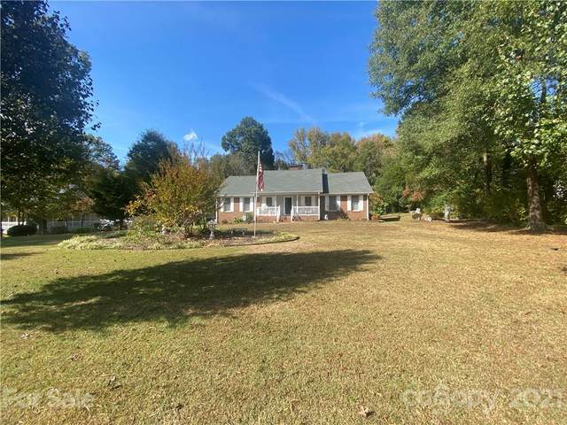 1525 Marlwood Circle, Charlotte, NC 28227 (#3799043) :: Scarlett Property Group
